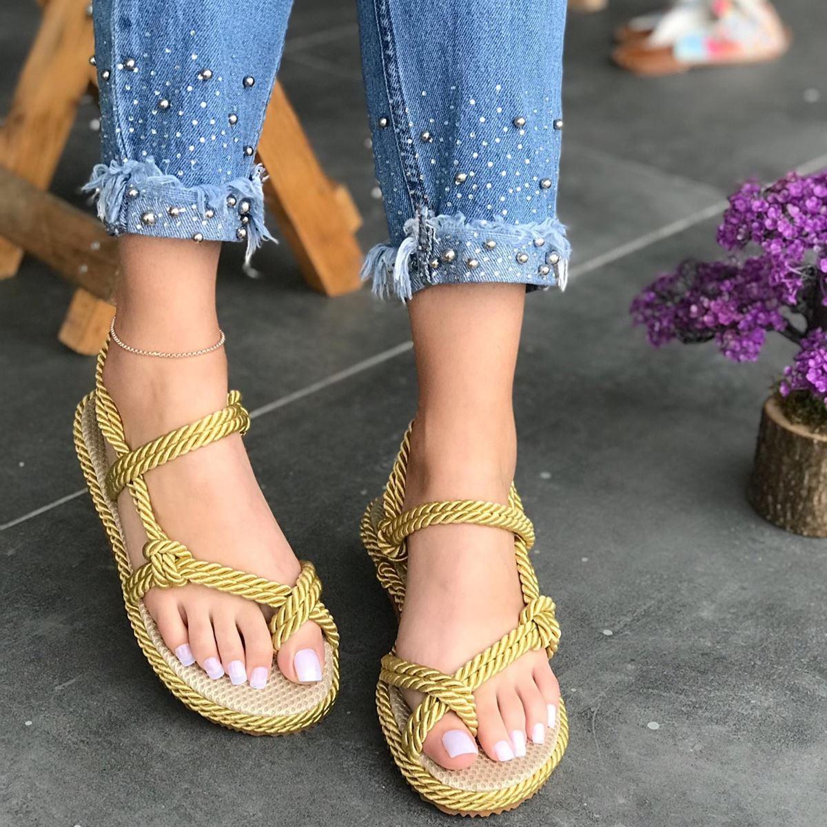 Gold Parmak Arası Sandalet SND042