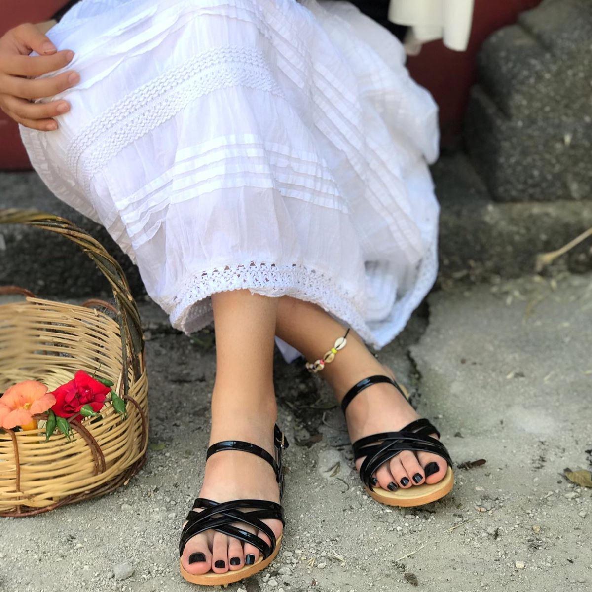 Siyah Çapraz Bantlı Sandalet SND071