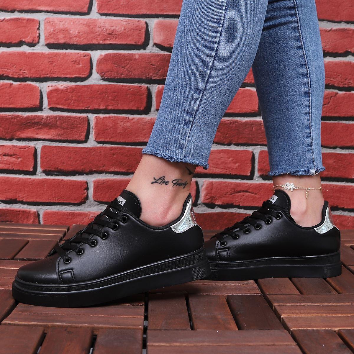 Siyah Arkası Gümüş Spor Ayakkabı AYK024