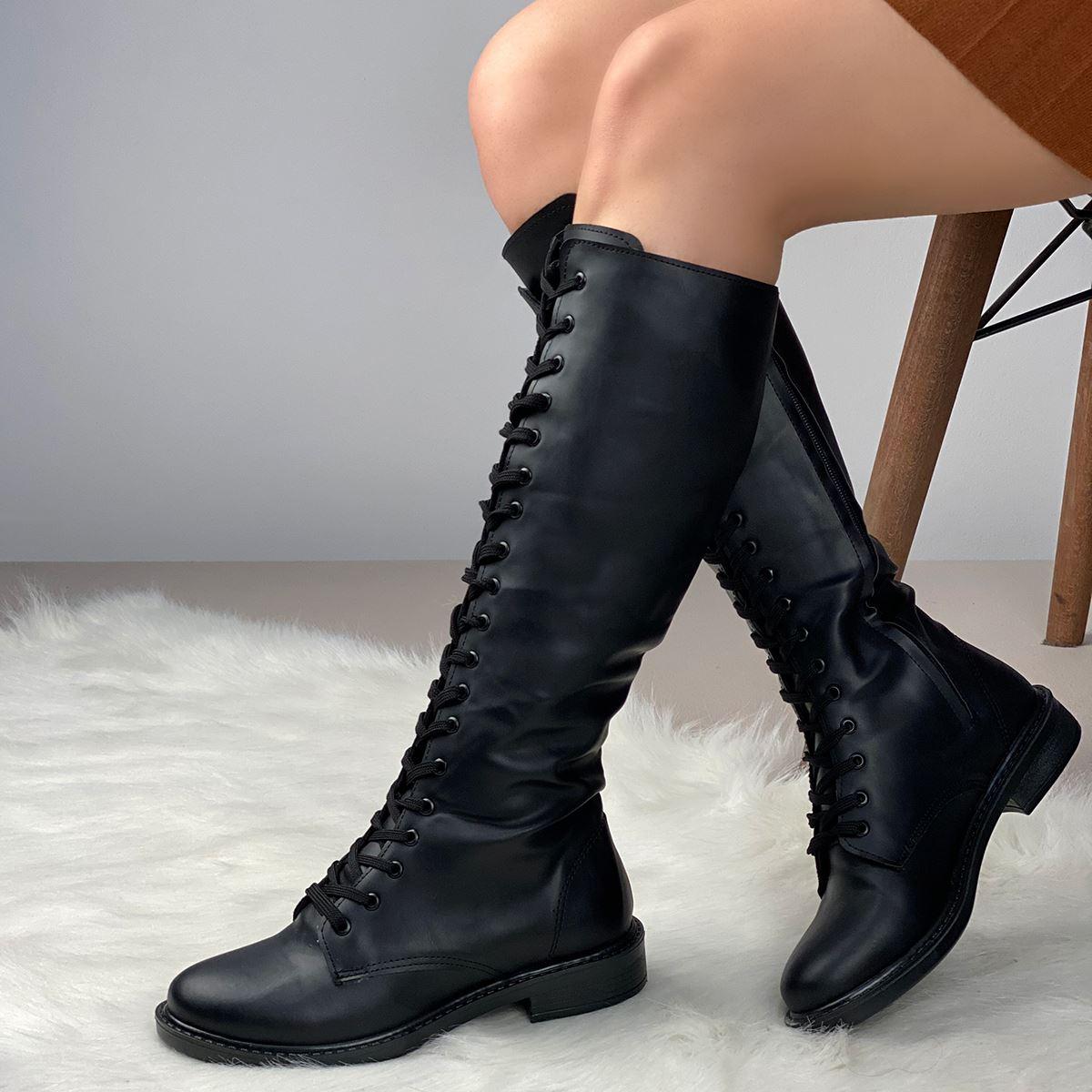Siyah Bağcıklı Çizme AYK208