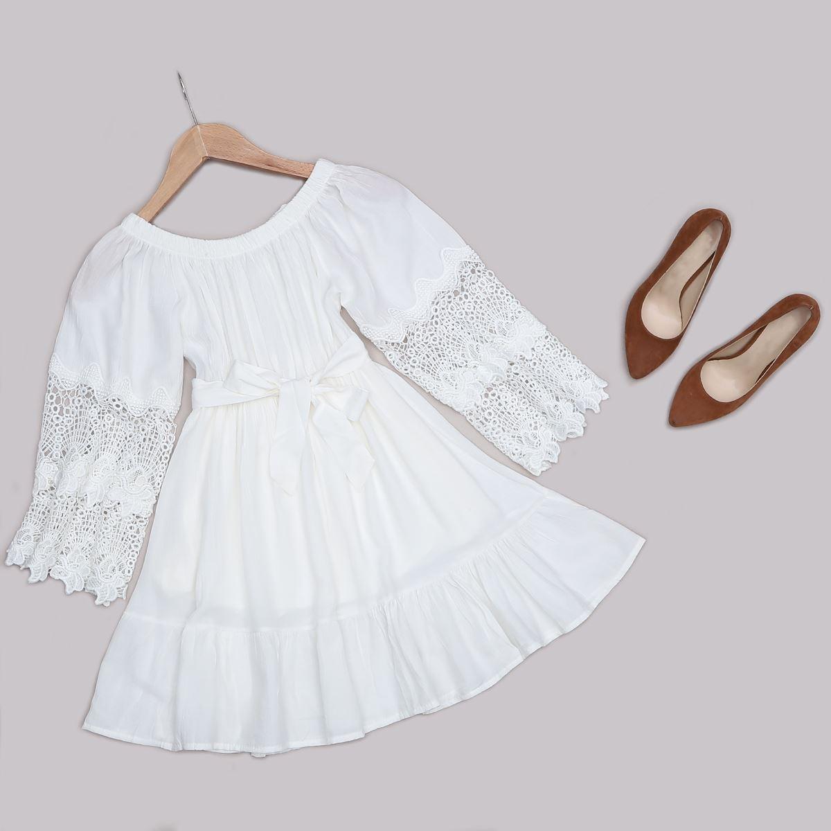 Madonna Yaka Güpürlü Beyaz Elbise ELB486