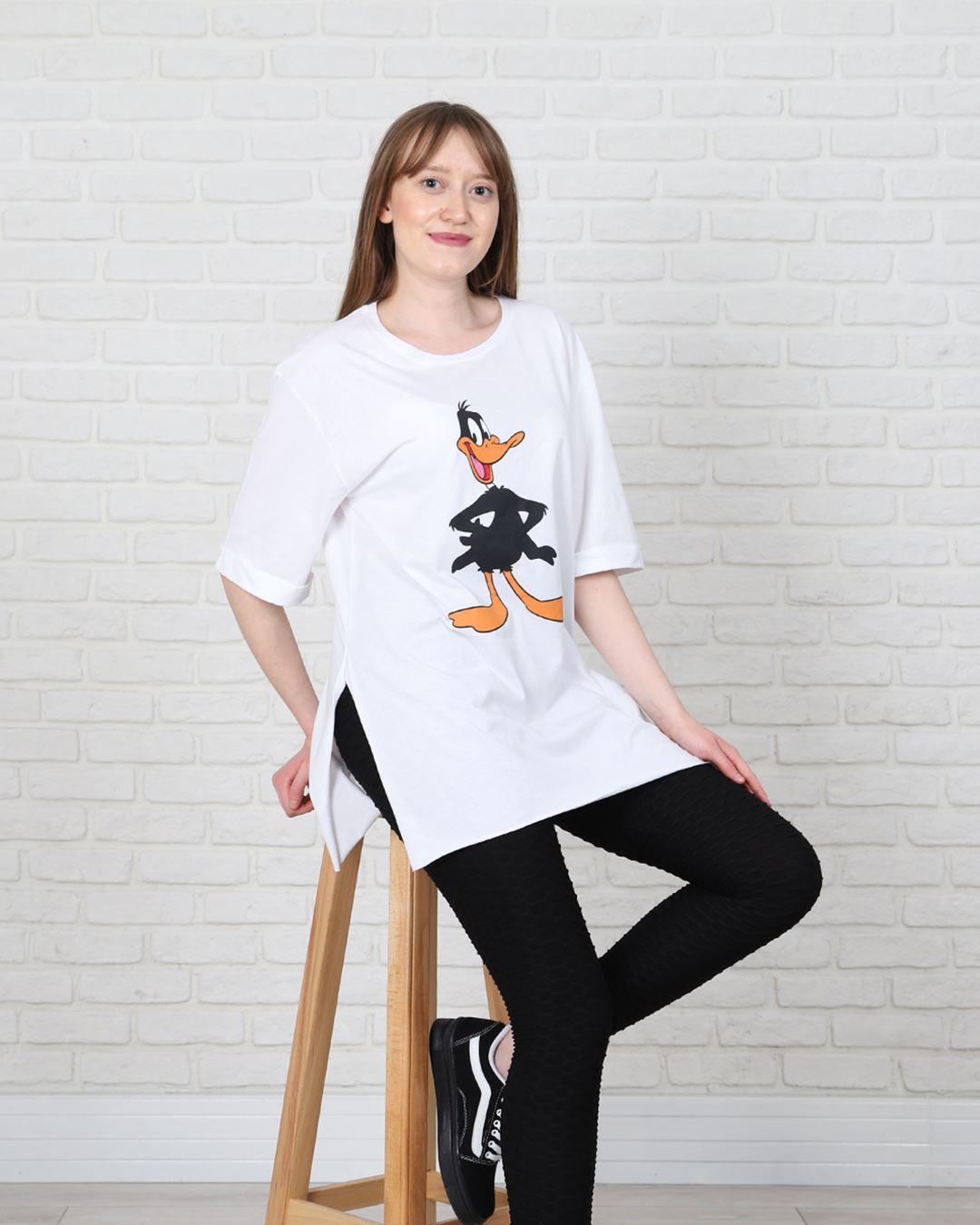 Beyaz Daffy Duck Mom T-Shirt  TSH173