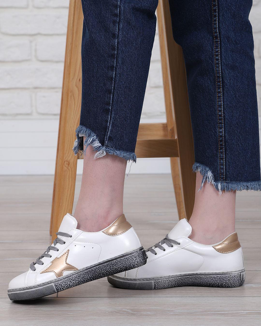 Gold Yıldızlı Beyaz Spor Ayakkabı AYK221