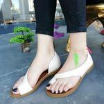 Bej Parmak Arası  Deri Sandalet SND084