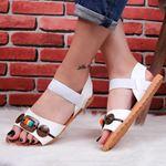 Beyaz Düğmeli Sandalet SND173